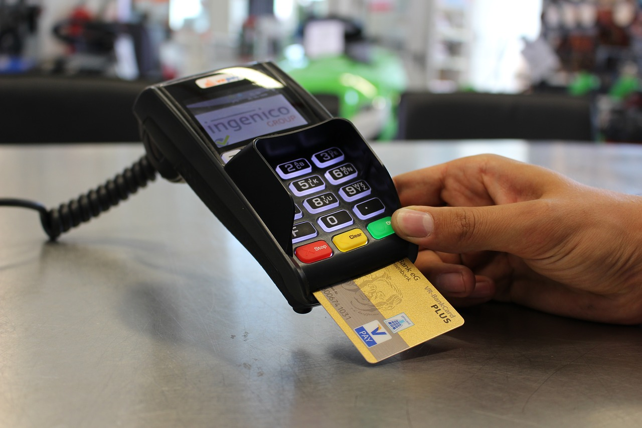 Becoming a Cashless Society